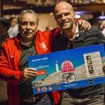 Jan van Staa en Ruud Leeuw met geveilde Total Body Scan van Prescan
